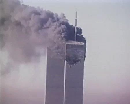 Hoy se cumplen 18 años de los atentados a las Torres Gemelas. Ese día, 4 aviones de pasajeros fueron capturados por terroristas islamistas, 2 de ellos fueron dirigidos contra el World Trade Center en NY, uno contra el Dpto. de Defensa en WA y otro se estrelló en Pensilvania.