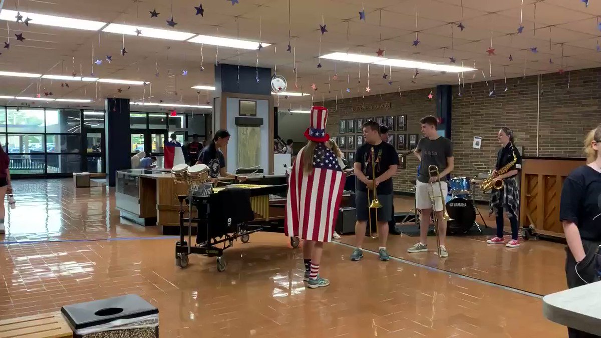 Early AM jazz combo on Patriotic Day during homecoming week!