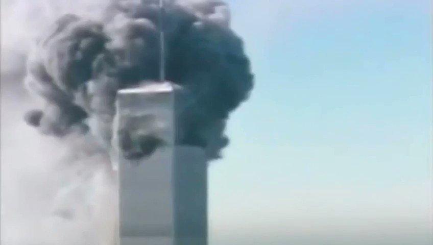 ➡️ Y esta hora, hace dieciocho años, sucedía: un avión chocaba con la segunda de las Torres Gemelas en Nueva York. Así contamos el #11S en Antena 3 Noticias con Matías Prats y Ricardo Ortega 📅 ¿Dónde estabas en este preciso momento? http://atres.red/j5gzp2