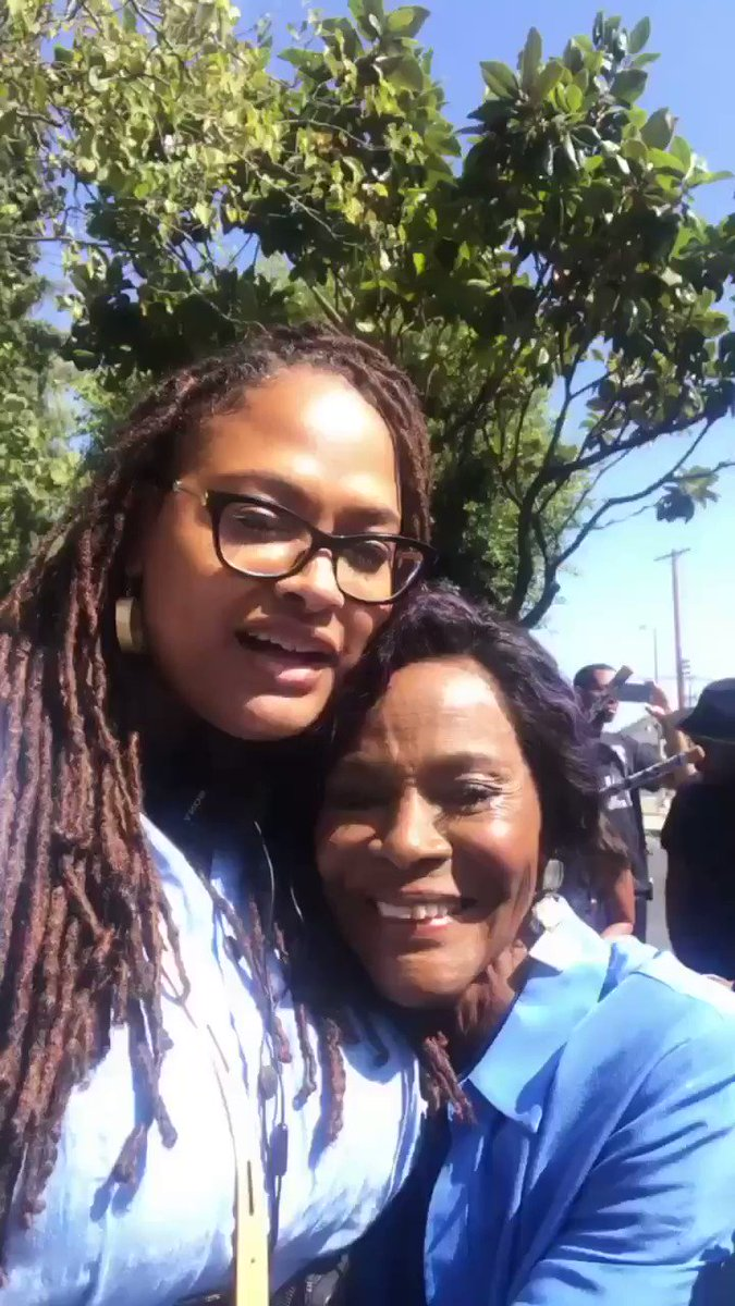 Replying to @avaduvernayfans: Oh my heart. Look at this greateness! Ava DuVernay and Ms Cicely Tyson 📷: @Ava