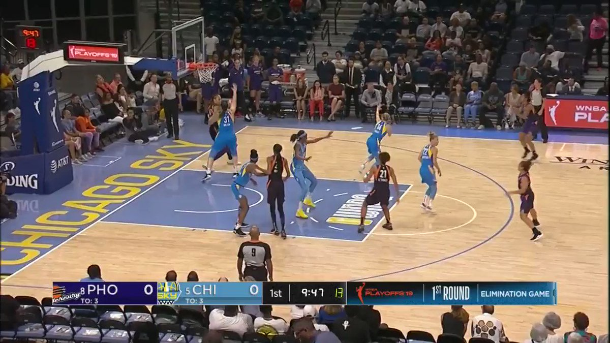 .@brittneygriner gets the scoring going with the hook! 👌  Watch @PhoenixMercury vs. @wnbachicagosky LIVE on ESPN2! 👀  #WNBAPlayoffs