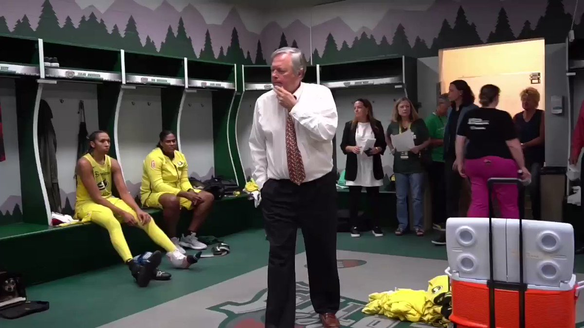 """""""We played like a team that's ready for playoff time.""""   Post-game speech by @seattlestorm Head Coach Dan Hughes 🗣💯"""