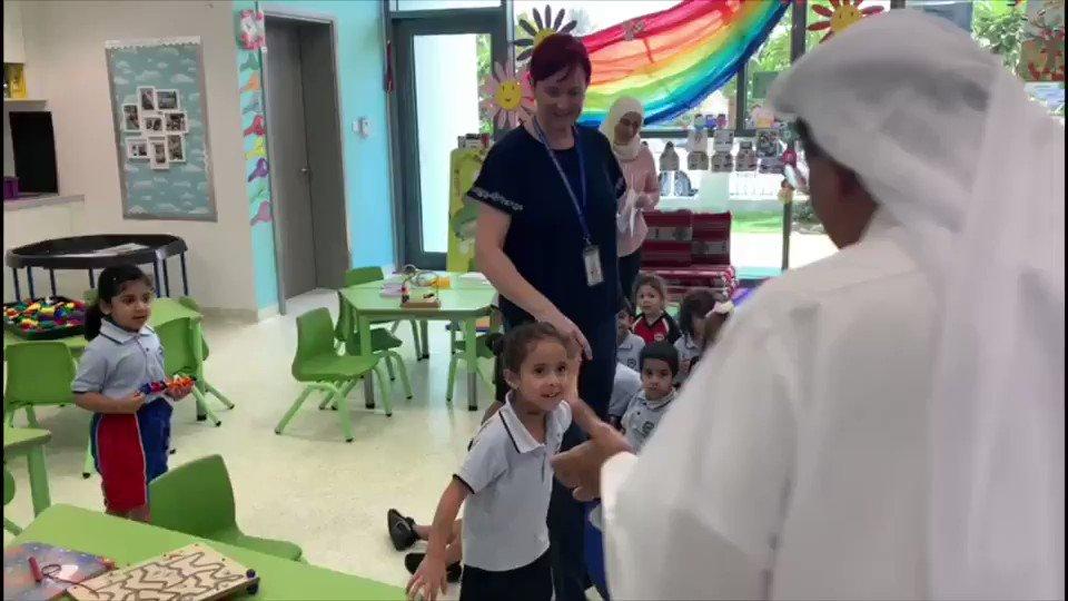في #مدرسة_الإمارات_الدولية - جميرا @EIS_JUM اليوم لزيارة طلاب صفوف المرحلة الإبتدائية والاطمئنان أننا نقدم لهم الأجواء الدراسية مفيدة ومريحة.هؤلاء هم مستقبلنا، الله يحفظ جميع الطلاب ويوفقهم في دراستهم.
