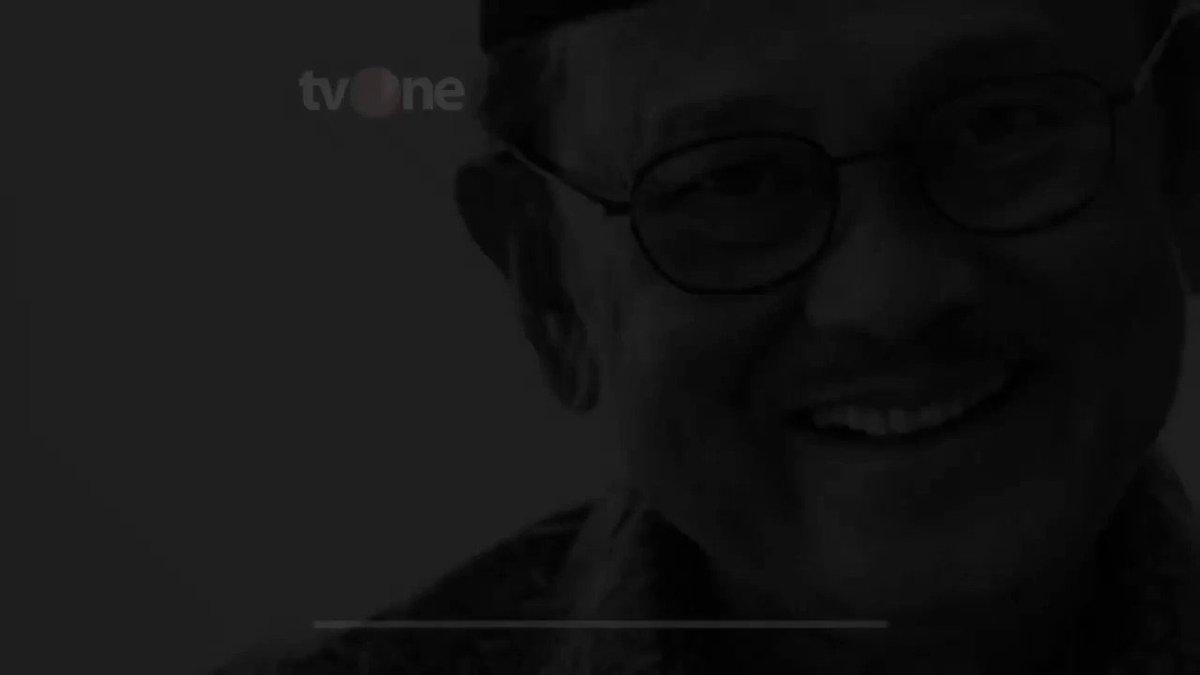 Selamat Jalan Pahlawan Demokrasi BJ HabibiePresiden ketiga RI, BJ Habibie meninggal dunia akibat penyakit yang dideritanya. Sebelum meninggal, keluarga dekat sudah berkumpul di RSPAD Gatot Soebroto, tempat Habibie dirawat.#NewsOne