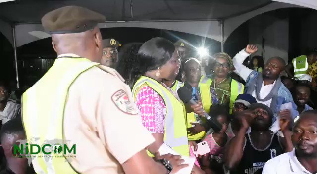 Excitement as the Nigerian returnees from South Africa arrive in Nigeria. On arrival, they sang the National Anthem with so much joy and enthusiasm among them were 30 children.