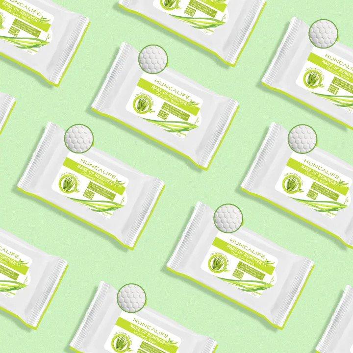 Aloe Vera'nın arındırıcı ve canlandırıcı etkisine tanık olmaya hazır olun. Make Up Remover makyaj temizleme mendili petekli dokusu sayesinde cildi derinlemesine temizler, kir ve makyaj kalıntılarından arındırır. 🌿✨