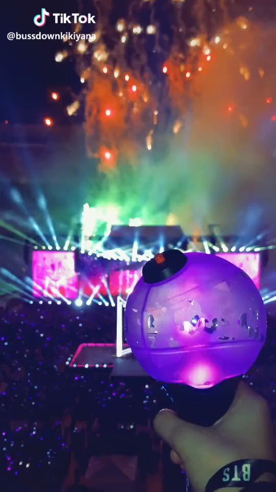 Takes 1 second to Retweet #PCAs #TheConcertTour #LoveYourselfSpeakYourself @BTS_twt