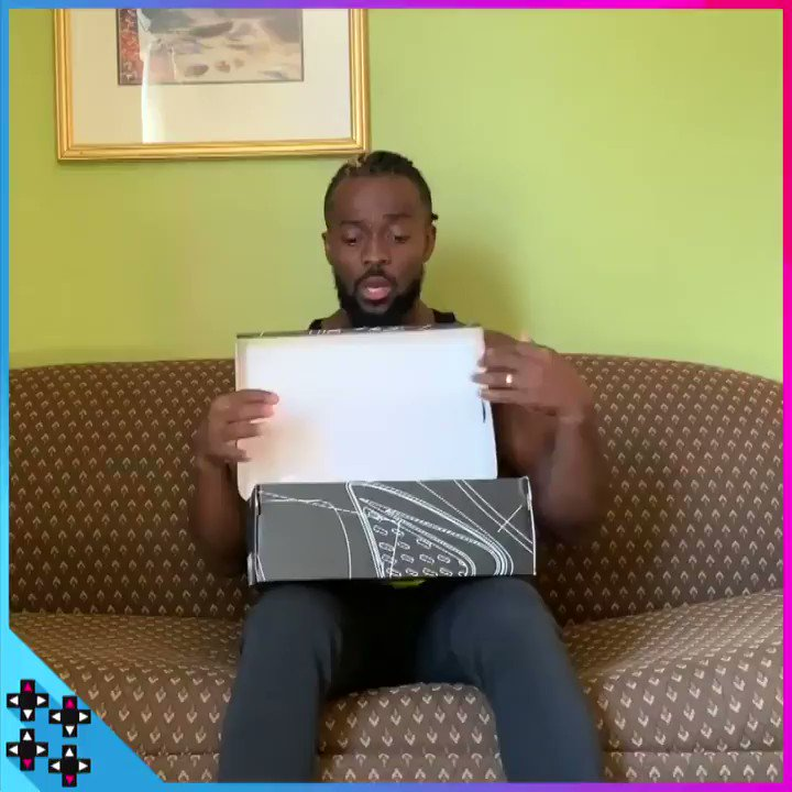 Don't need to go to the KRUSTY KRAB to find these kicks! @TrueKofi takes a deep dive into the Mr. Krabs sneakers from the #SpongeBob SquarePants Collection by @KyrieIrving! https://www.youtube.com/watch?v=SrIa1oEOJCs&sf219368738=1…