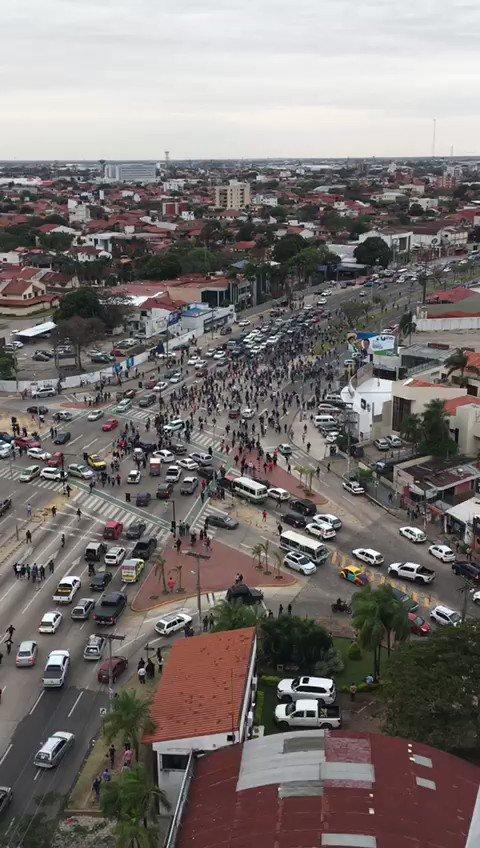 El turno de Evo. Bolivia está en medio una operación de cambio de régimen copiada a calco de las de Venezuela y Nicaragua. Ayer activaron la fase violenta en el departamento de Santa Cruz después de una primera fase de ablandamiento usando a organizaciones seudo ambientalistas.