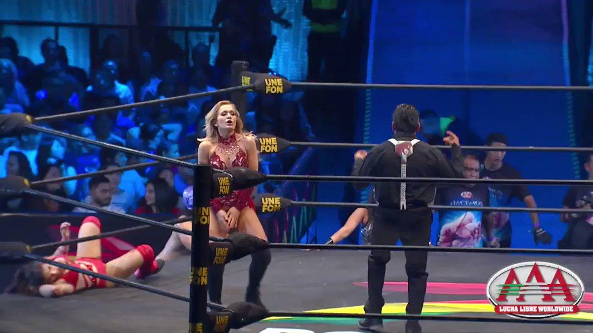 En la lucha de Campeonato de Parejas Mixtas de #TriplemaníaXXVII 🔥 no cabe duda que las luchadoras se dieron con TODO 🤜💥 Ya estamos por @canalspace 😎  🔴 EN DIRECTO #LuchaLibreAAA