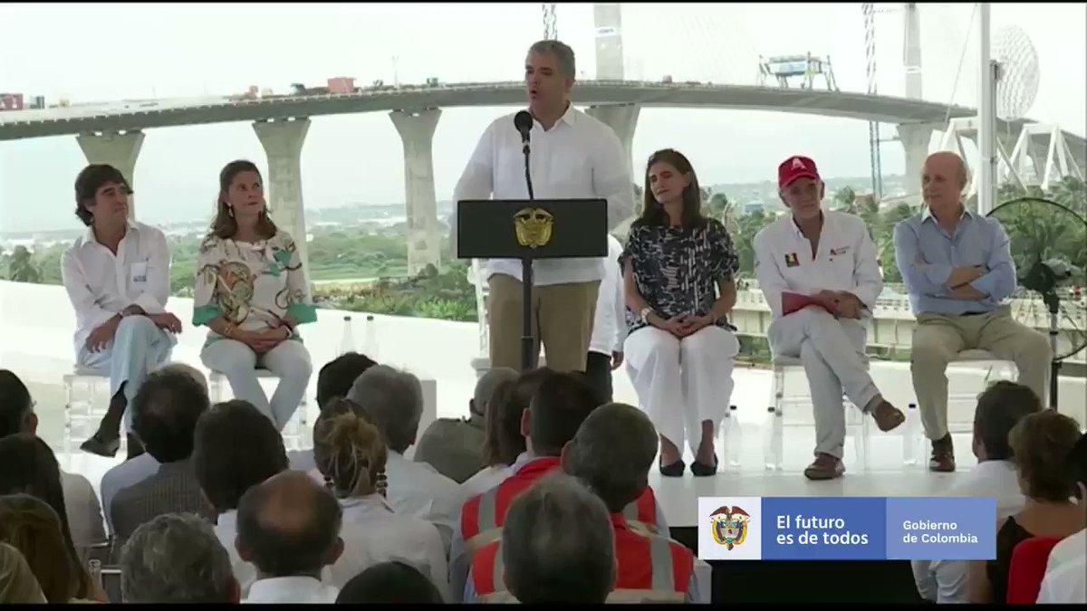 #Barranquilla Celebramos el significativo avance del nuevo Puente Pumarejo que entregaremos en diciembre. Esta obra la encontramos desfinanciada y en 65% de ejecución. En tan solo 13 meses se asignaron más de $140 mil millones para su culminación. #InfraestructuraQueConectaVidas