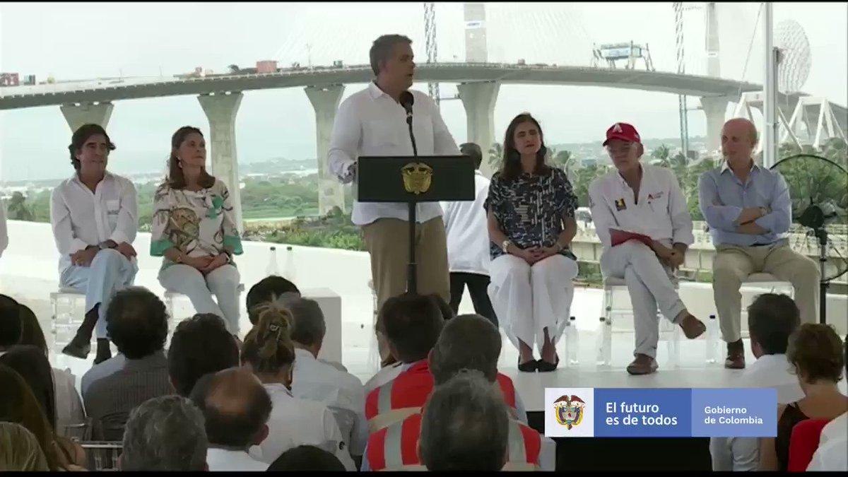#Barranquilla En la costa Caribe queremos avanzar en la estructuración y puesta en marcha del proyecto del Canal del Dique, así como definir, en los próximos meses, la hoja de ruta para la navegabilidad del río Magdalena.  #InfraestructuraQueConectaVidas