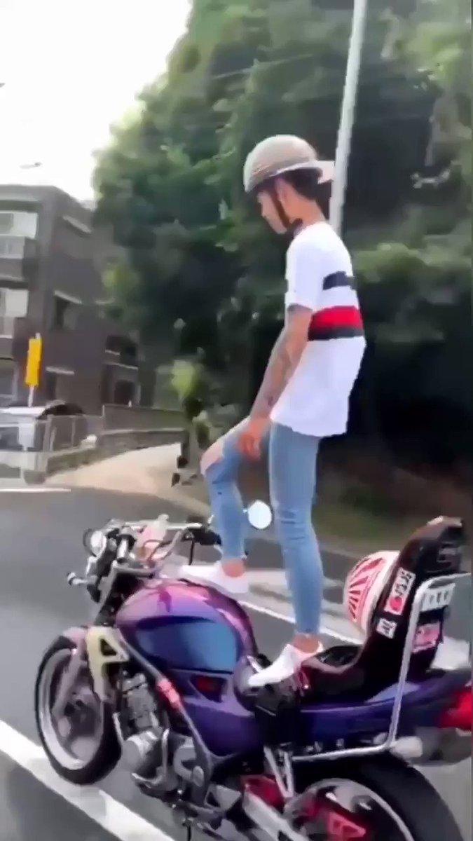 こんな運転をする人間でも免許が取れる時代になったんですね!!さすが日本!!