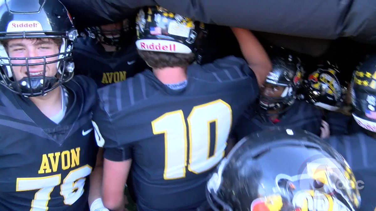 RING THE BELL: Avon @avonfootball stays unbeaten with 7-3 win over Brownsburg @bhsdogs. Now 4-0, should remain on top of @ihsaa1 Class 6A rankings. @OrioleAthletics @rtv6