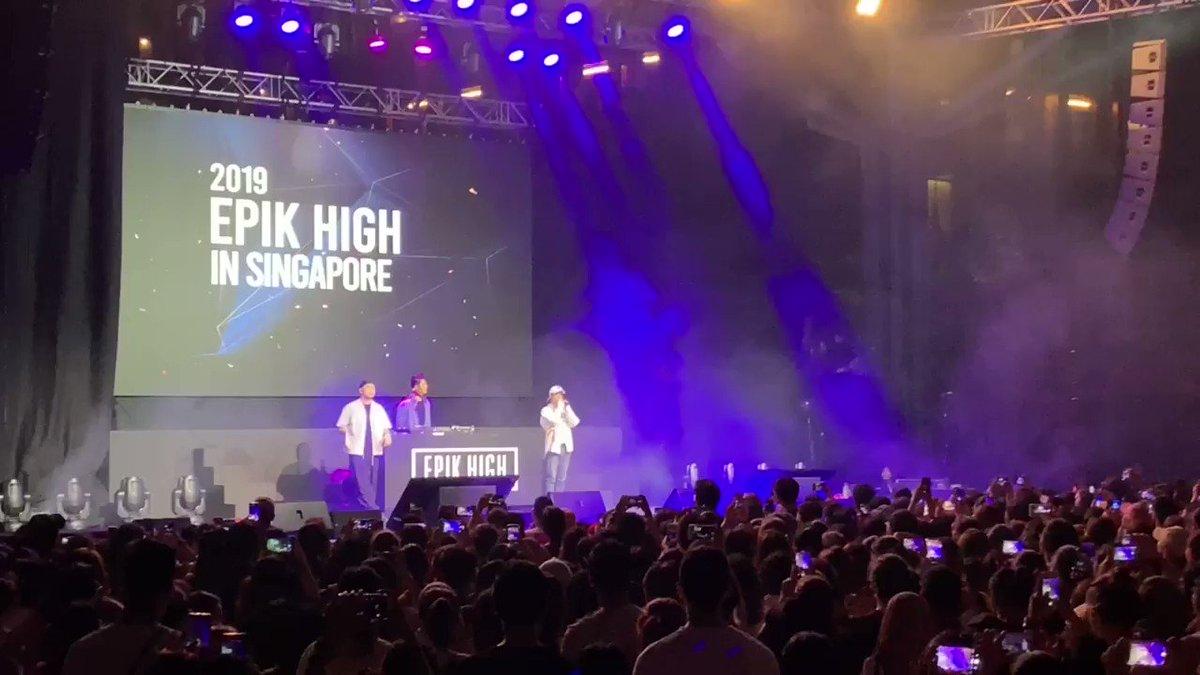 Hilarious intro of #EPIKHIGH 😂 #EPIKHIGHinSINGAPORE #epikhigh2019tour