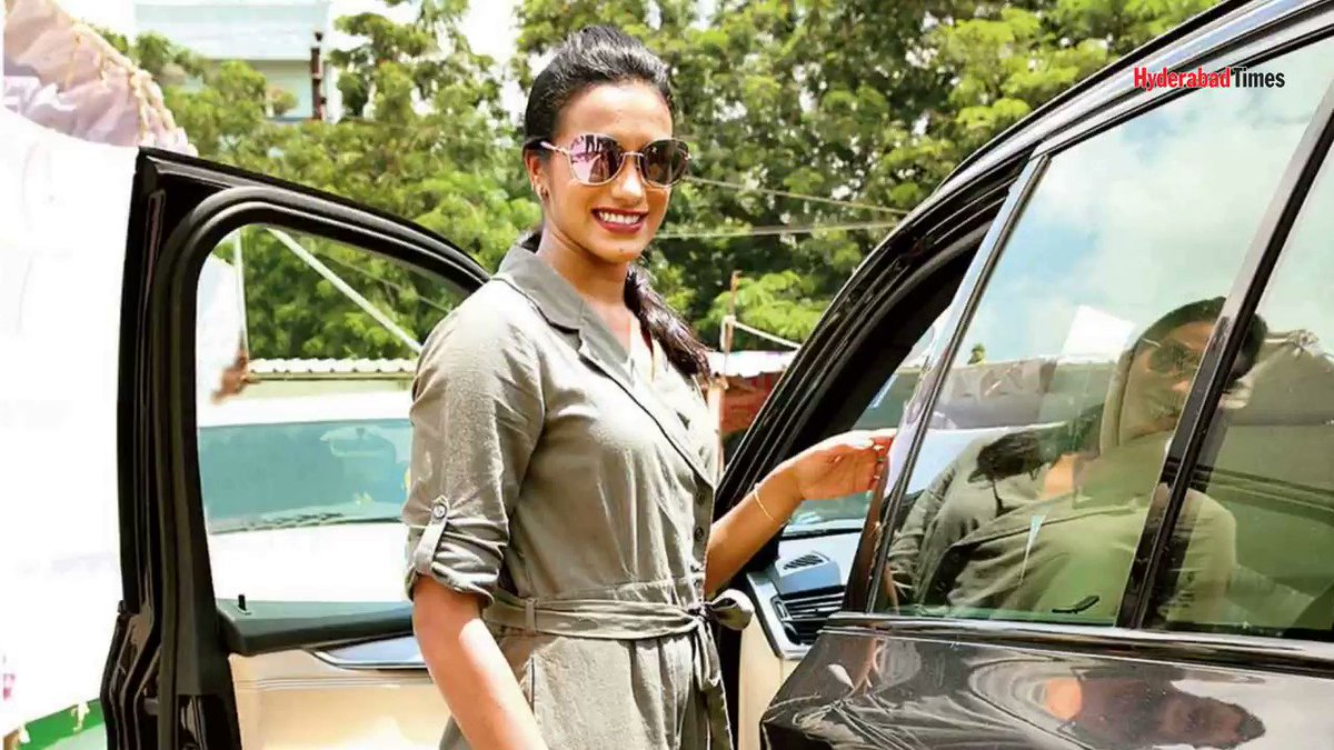 . Golden Girl @Pvsindhu1 gets a swanky SUV as gift