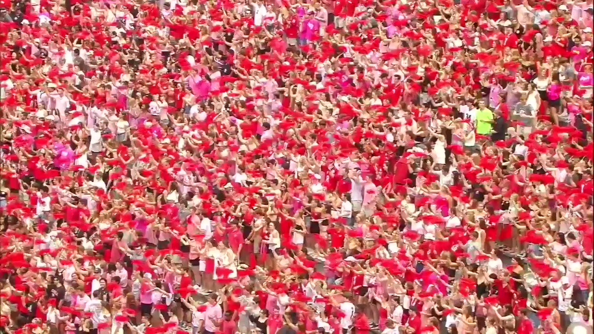 """Arkansas State coach Blake Anderson's wife, Wendy, died Aug. 19 after a two-year battle with breast cancer.  Today, Georgia held a """"pink out"""" in her honor 🙏"""