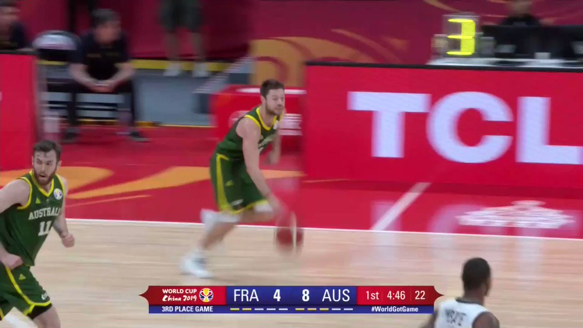 .@Patty_Mills never stops moving, @matthewdelly knows exactly where to send the 🏀, @BasketballAus rolling 🇦🇺. #FIBAWC #FRAAUS  📽 http://worldcup.basketball/watch