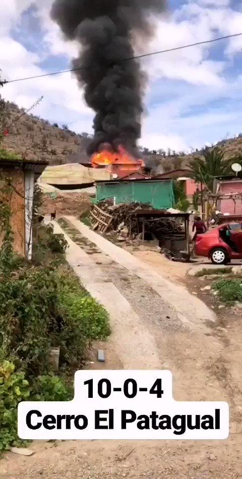 RT @BombaAndes Imágenes del 10-0-4 sector cerro El Patagual, en lugar Unidades B-1, B-2, HX-2, Z-4, Z-5 y K-1