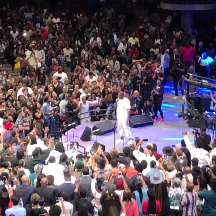 Kanye brought #SundayService to Atlanta 🙏🏽