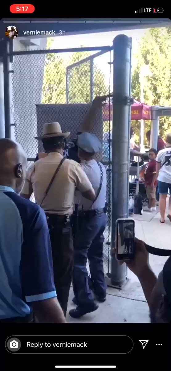 Cop Destroys Guy Trying To Resist In Unreal Video. It's An Unbelievable Altercation