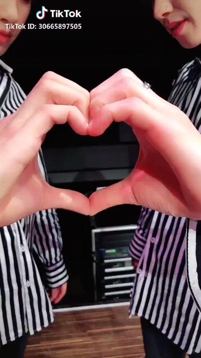 #JG (ジュノ&ギュミン)フォロワー✨130万人✨#TikTok 最新動画チェックしてみてください📌9/16SPINNS原宿竹下通り店JG(JOONHO&GYUMIN)来店イベント#ASIANZ の商品購入で握手や一緒に写真が撮れるチャンスあり詳細#SHOWROOM📡9/16 21時〜@JOONHO_GYUMIN