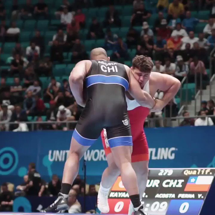 Riza KAYAALP 🇹🇷 uses a four-point arm throw to move past world bronze medalist Yasmani ACOSTA 🇨🇱 in the first round. #WrestleNurSultan #uww #wrestling #Grecoroman