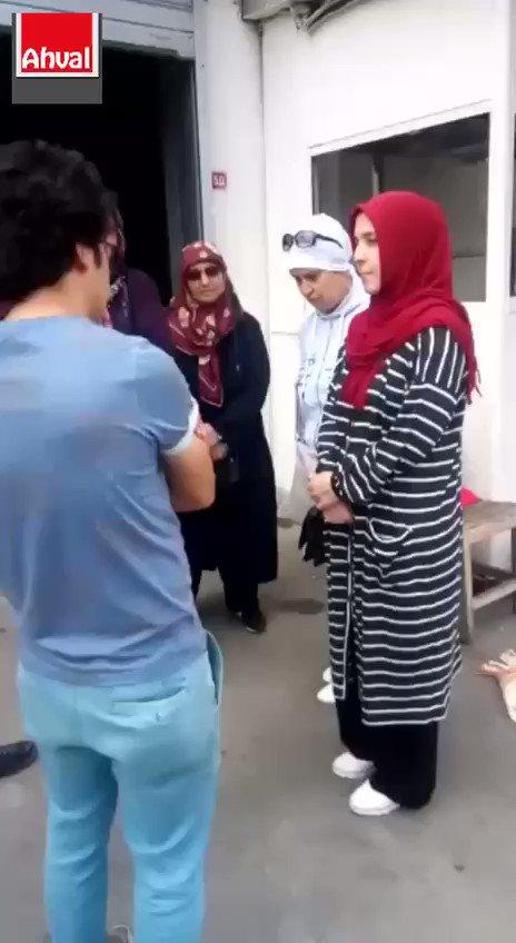 📹 AKP İstanbul Binası önünde bekleyen, müebbetlik askeri okul öğrencilerinin anneleri: Diyarbakırdakiler anne de biz değil miyiz? - [Ahval]