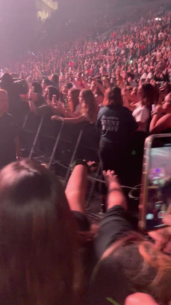 Happy bday Nick Jonas, it s been 2 days i miss them heh (peep him look right at us at the end)