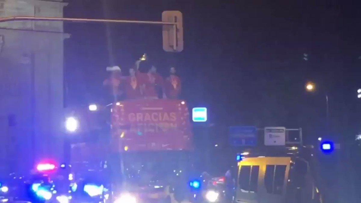 La copa contra el semáforo... ¿sí o no? #CampeonesDelMundo