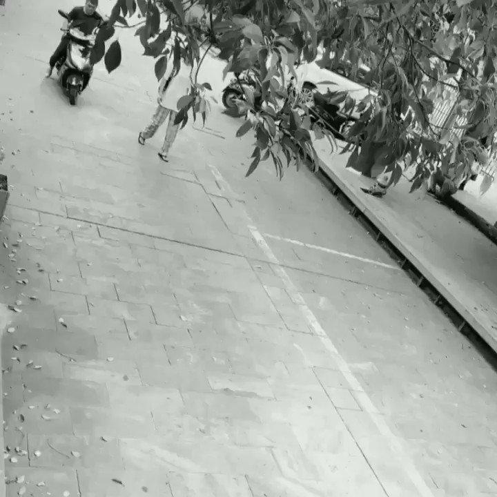 盗んだバイクで走り出す~wwwwww