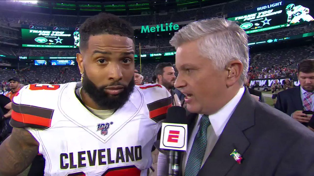 Odell's face when he started speaking Spanish. 😂😂😂