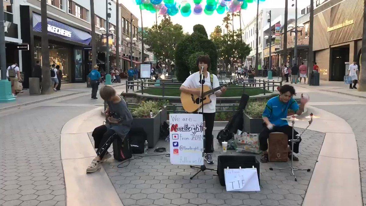 アメリカで路上ライブやってきました。