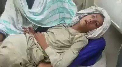 لاڑکانہ کی اسپتال میں کتے کاٹنے کی ویکسین نہ ملی شکارپور کے دس سالہ میر حسن ابڑو نے ماں کی گود میں کمشنر آفیس لاڑکانہ کے باہر تڑپ تڑپ کی جان دے دی Just because theres no vaccines available in Sindh @BBhuttoZardari