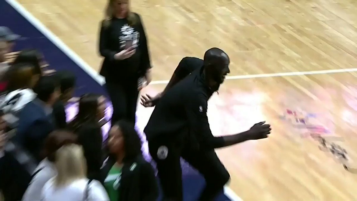 Top story: @WNBA: '.@tackofall99 makes a young fan's night during #WNBAPlayoffs action! 🙌 ' , see more http://tweetedtimes.com/helidonauries?s=tnp …