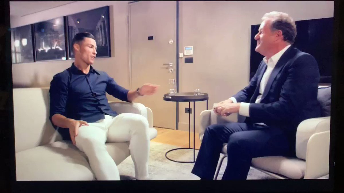 'You have good abdominals.' Thank you, ⁦ @Cristiano⁩.  Yours aren't too bad either.