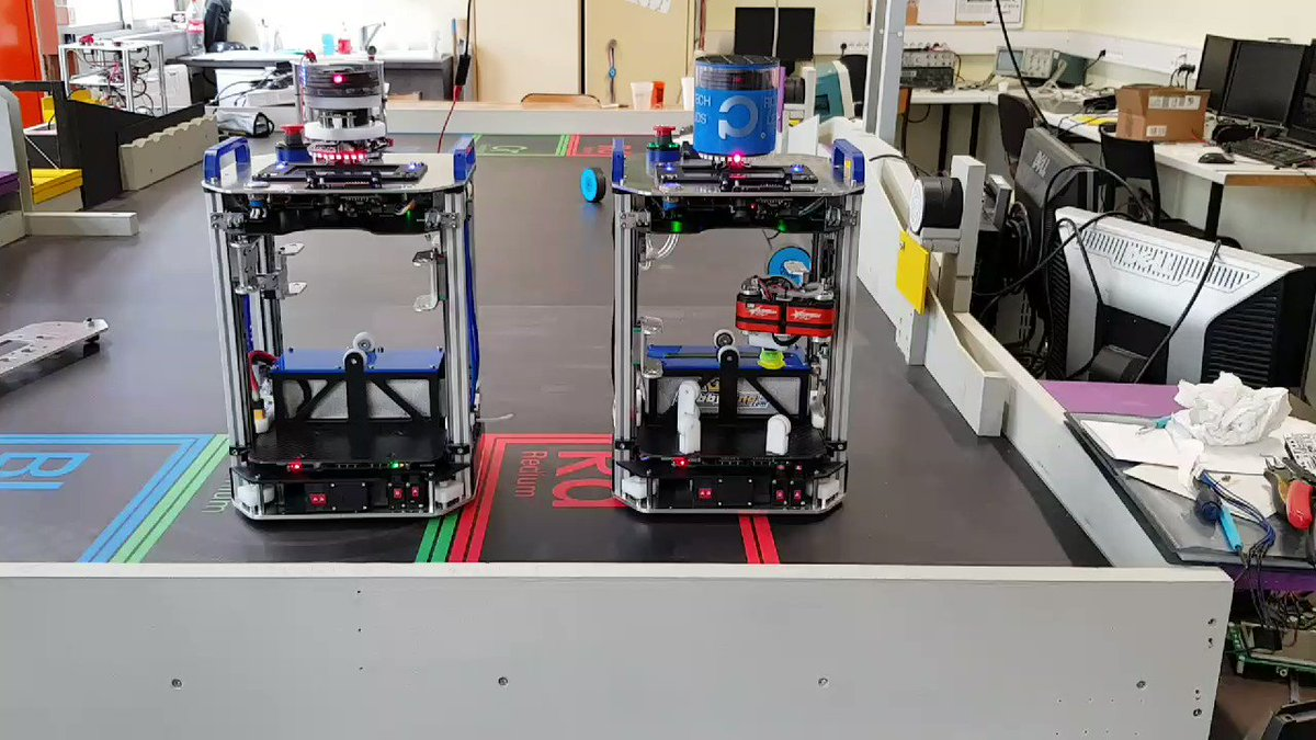 Image for the Tweet beginning: [ARCHIVE #CDR2019] Deux robots