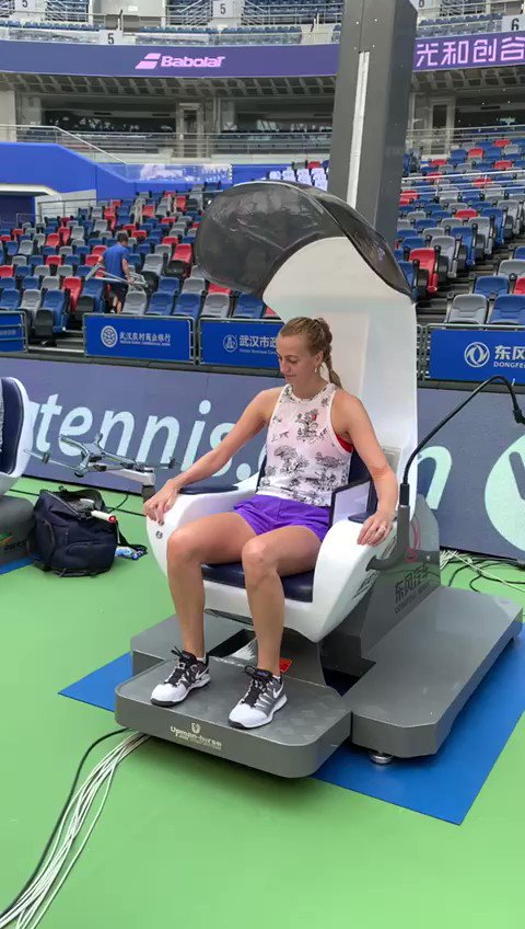 Just me... Going for a ride in the umpire's chair... Trying to keep a straight face 😂@wuhanopentennis