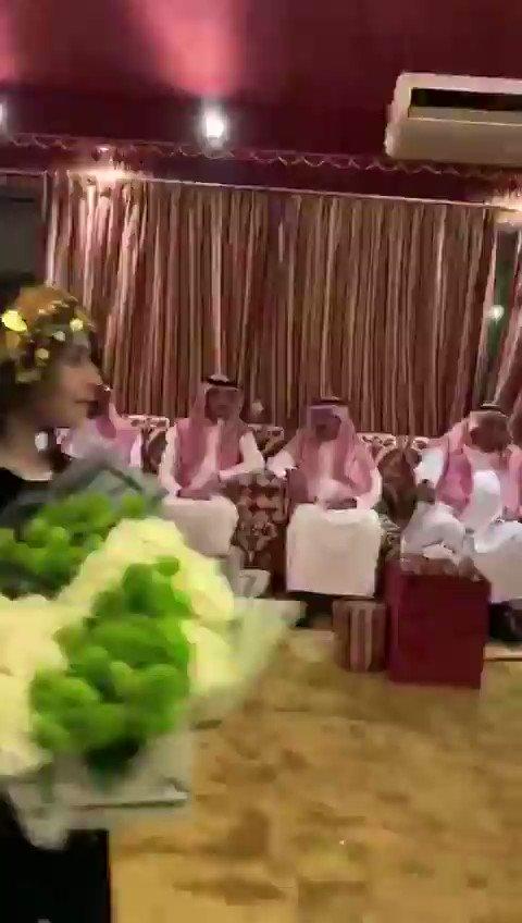 أمير الجوف يلبي رغبة طفلة طلبت مقابلته عبر فيديو نشرته في وسائل التواصل..#الجوف #السعودية.