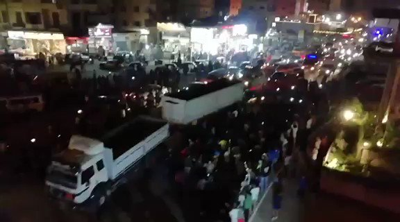 This video from Mahalla in #Egypt Not huge numbers but they're loud. Similar scenes in Cairo and Alexandria. People online also participating. All demanding the fall of the regime#الشعب_يريد_اسقاط_النظام