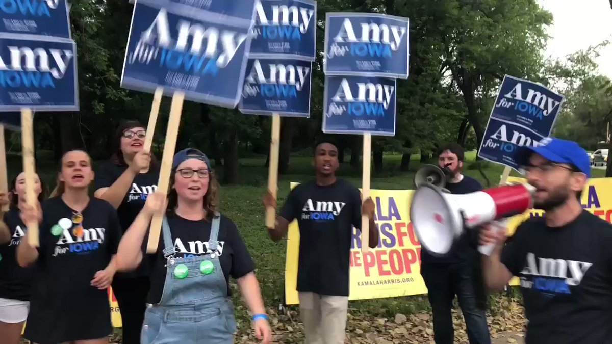 """Midwest does it best!"" chant @amyklobuchar supporters at Steak Fry"