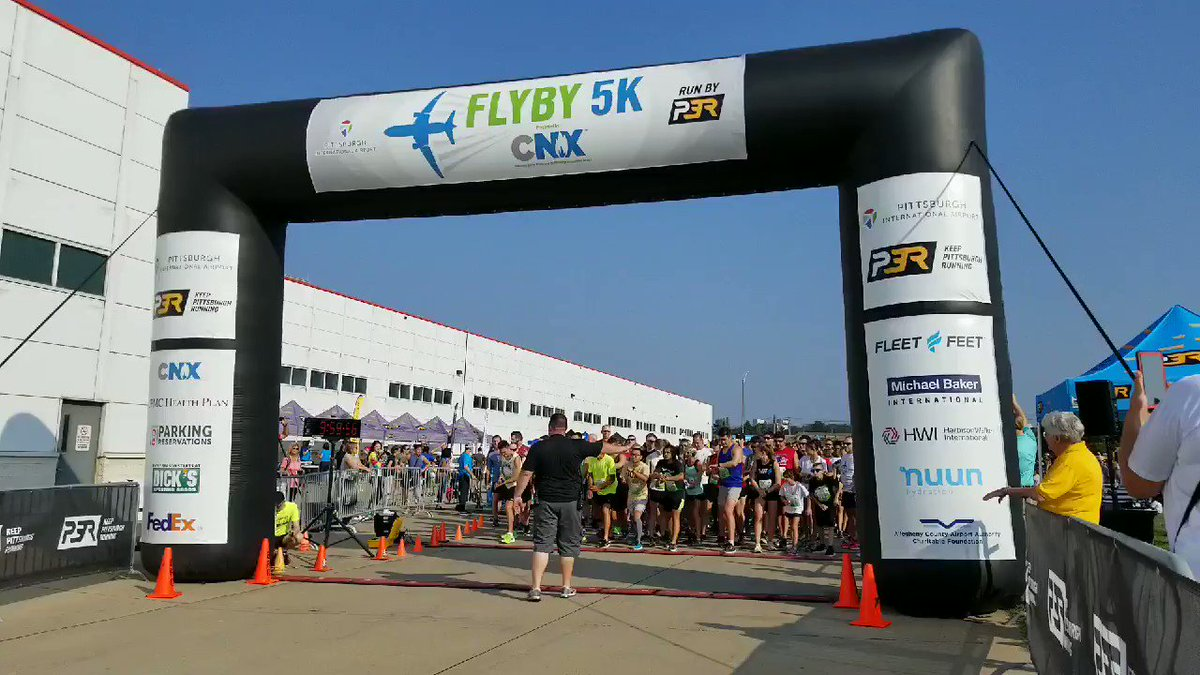 Image for the Tweet beginning: And they're off! #FlyBy5K