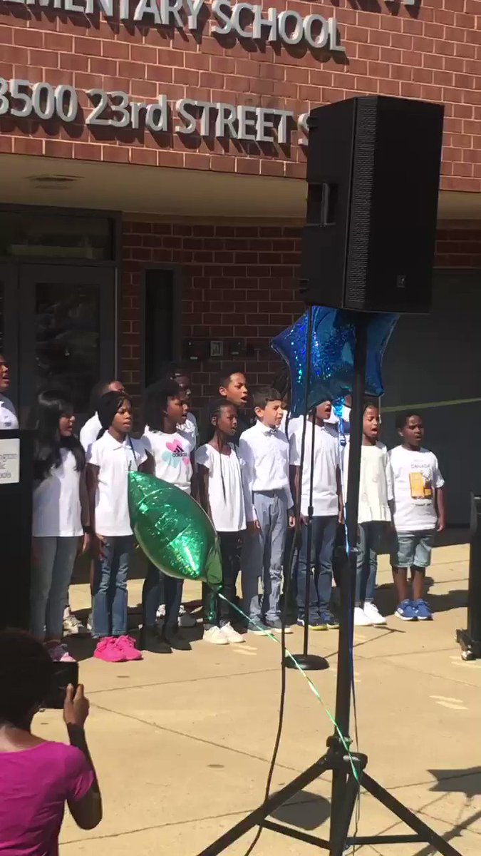 The first public singing of Hail, Hail, Drew. Amazing!!! <a target='_blank' href='https://t.co/xualxHQVfT'>https://t.co/xualxHQVfT</a>