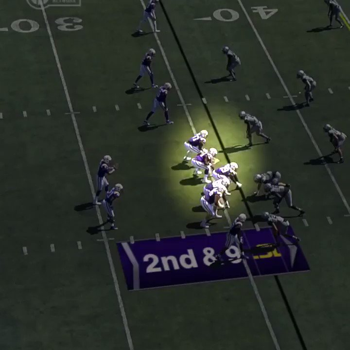 Video: LSU Offensive Lineman With 2 Absurd Blocks On 1 Play