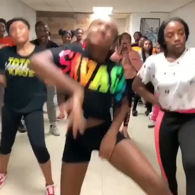 Ok come through NAW!!!! I see y'all these👏🏾Kids👏🏾SNAPPING giving facial expressions & barefoot unbothered in the hallways tease😅 y'all did that!🙌🏾🙌🏾 keep shining lil ones! #ThrowItBack off my #ICONOLOGY EP