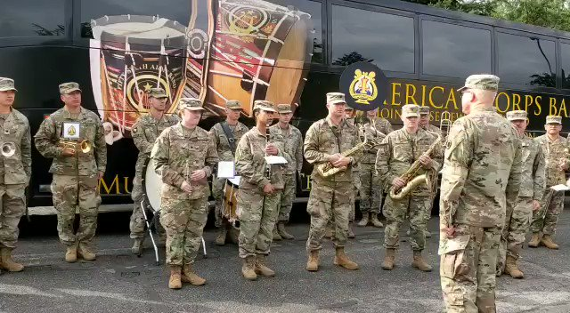 American army band playing Indian National Anthem. Ultimate high. Jai Ho and Jai Hind.🙏🙏🇮🇳🇮🇳🇮🇳🇮🇳