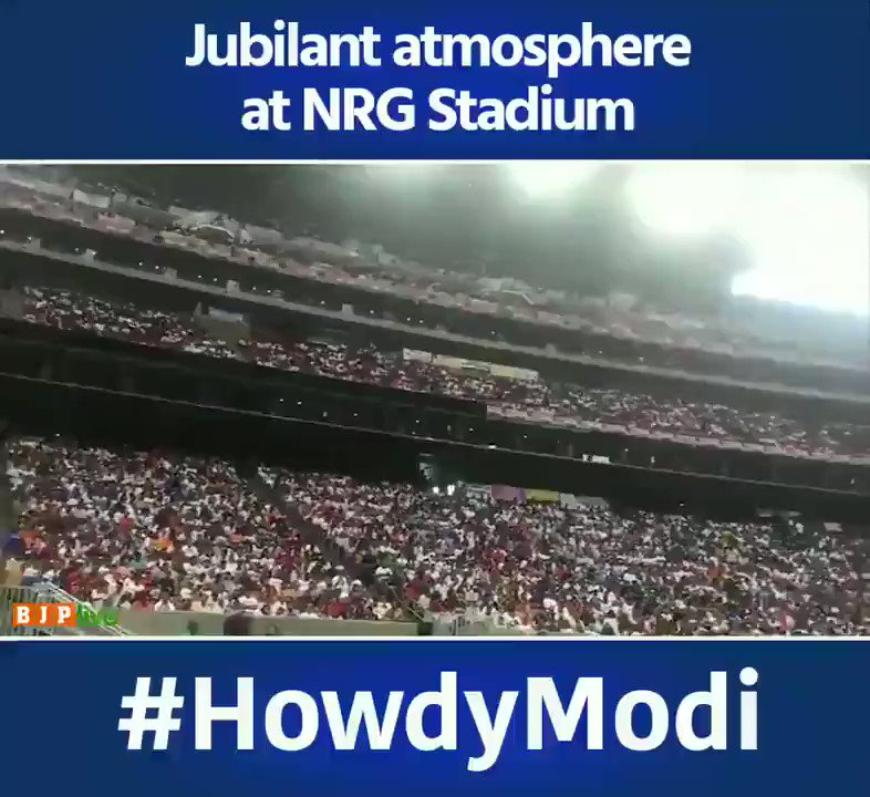 Jai Ho 🤗😘💪 Human waves welcoming PM Sh @narendramodi at Houston. Now World can't afford to ignore Indians,their Presence & Power anywhere anymore ! #ProudIndian🇮🇳 #HowdyModi