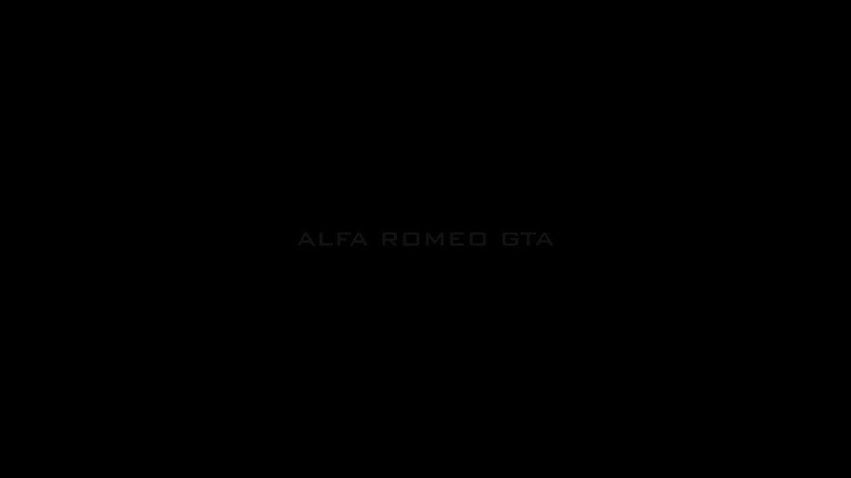 """""""GTAはスチールに代えてアルミ製のアウターパネルを搭載し、マグネシウム製アロイホイール、透明樹脂製のサイドウィンドウなど、多様な軽量パーツを採用することで乾燥重量750kgを実現した。エンジンにも大幅な改良が施され、レース仕様トリムにおいて170psを発揮するに至った"""" #AC_JP #AlfaRomeo"""