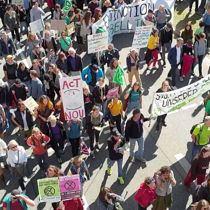 Thousands took the street of Freiburg in Germany to be part of the world wide Climate strike calling for action on climate change #ClimateChange #ActNow #ClimateStrike #FridaysForFuture #Fridays4Future #Klimastreik https://t.co/860mn8n1RK