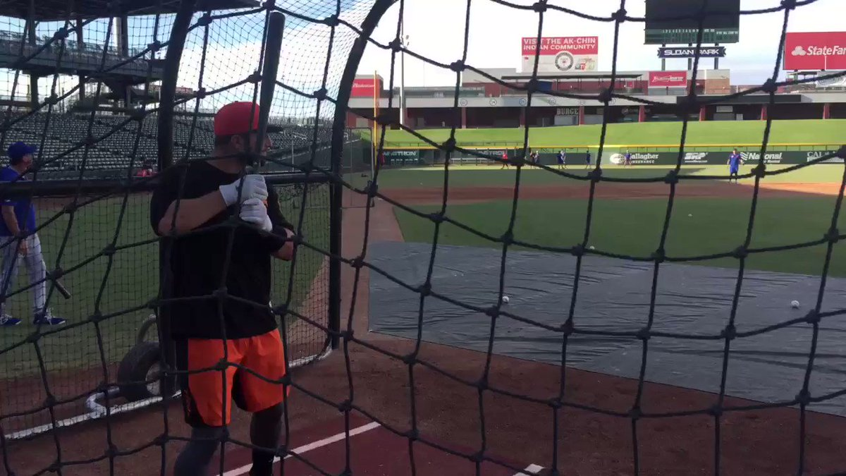 Joey Bart (#Giants) takes some hacks before tonight's @MLBazFallLeague game in Mesa @MLBPipeline